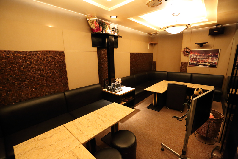 LOUNGE FUSUI[スナック・ラウンジ/愛媛県]の店内イメージ BOX席は少人数から団体様までOK