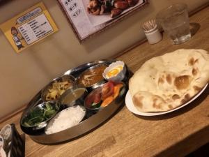 輝 天|#ナマステ食堂#カレー#ナン