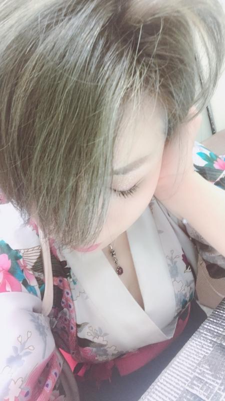 鴻上 さやか|髪の色