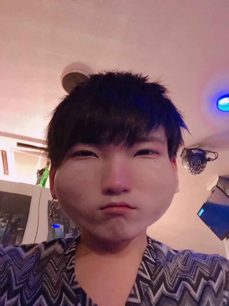 衣千 Club ARK[ホストクラブ/松山市二番町]さんのブログページへはこちらから