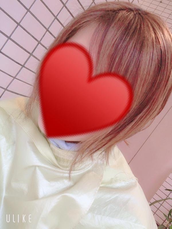 しおり|〜♥️美容室なう♥️〜
