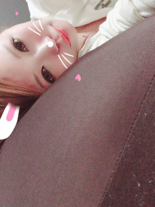 愛美|おはよ♥抱き枕,マットレス♥布団から!