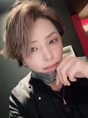 紫耀 ART[ホストクラブ/松山市二番町]さんのブログページへはこちらから