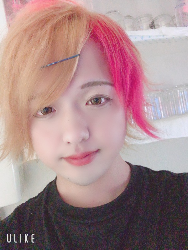 璃久 金髪ー