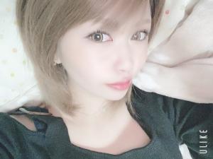愛美 日曜♥10時出勤です¨̮⑅*!!