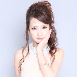 香月 彩奈さんのプロフサムネイル3