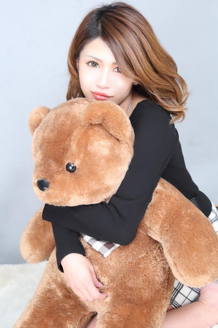 愛美さんのプロフ写真3