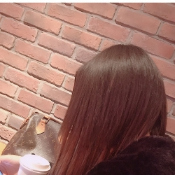 rii(Girls Bar MOMOMO)[ガールズバー/愛媛県松山市]さんの情報はこちらから